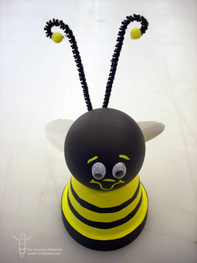 Clay Pot crafts - bee
