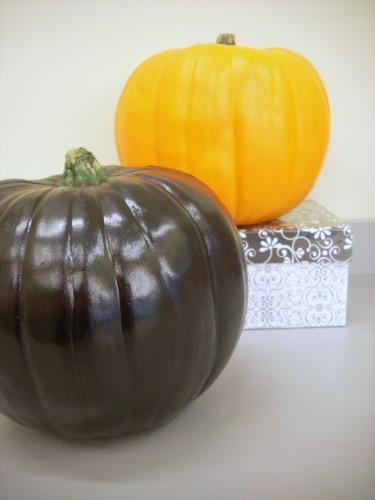 Halloween Crafts – Rhinestone Pumpkin