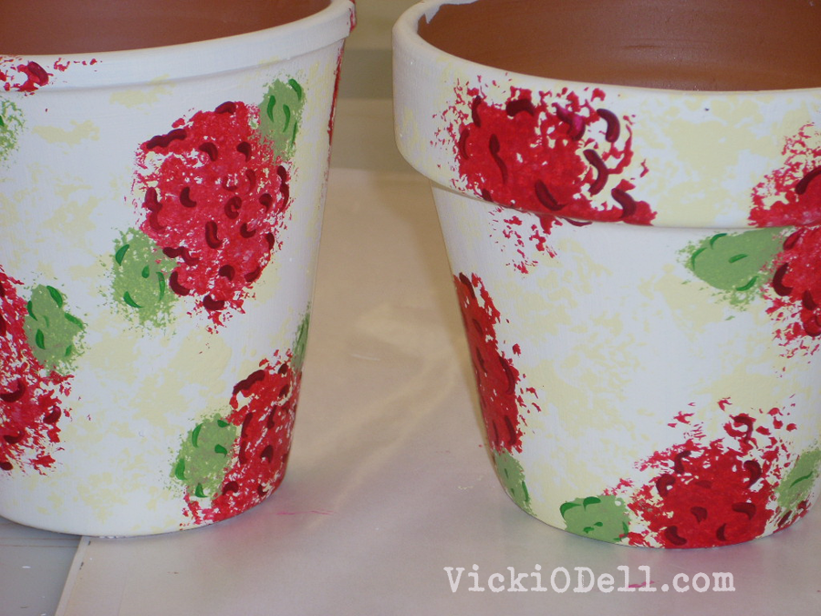 How to paint geraniums on a clay pot