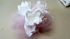 How to make an easy wrist corsage