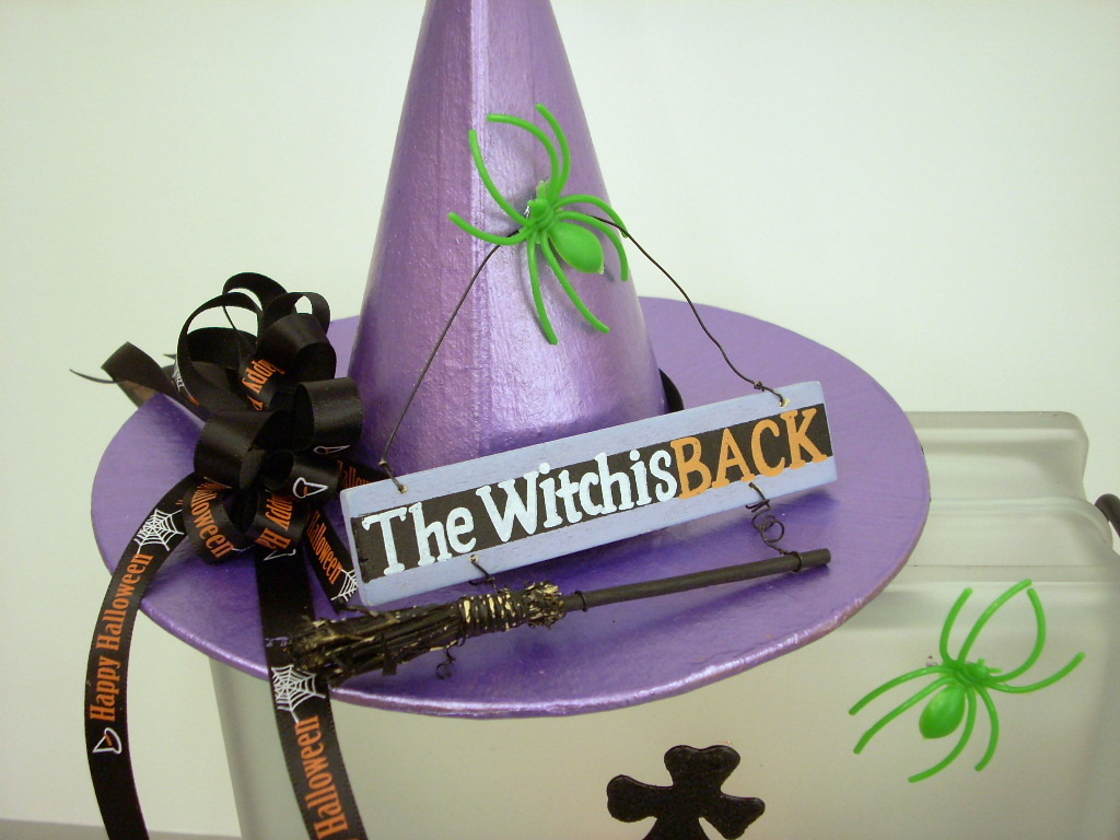Halloween Crafts: Krafty Blok Gets a Little Witchy