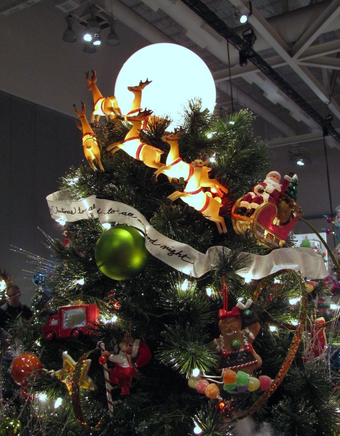 Christmas Tree Topper Inspiration from the Akron Tree ...