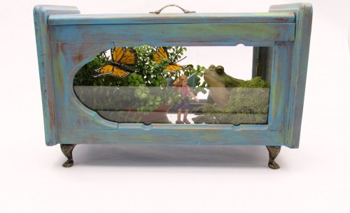 Thrifting Thursday - Jewelry Box to Indoor Fairy Garden