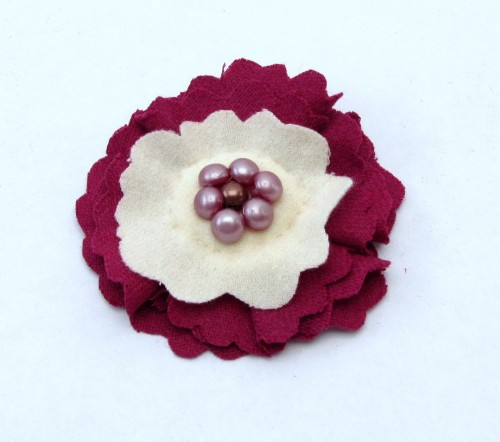 Making Flowers from Wool – Wool Flower Brooch