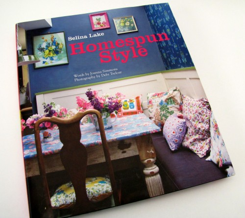 Thrifting Thursday - A Book Review: Homespun Style by Selina Lake