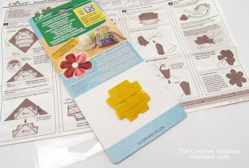 Toolbox Tuesday: Clover USA Extra Small Kanzashi Flower Maker