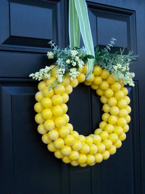 10 Colorful Spring Wreaths