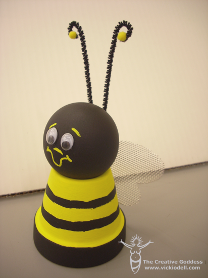 Clay Pot Bee - Kids Crafts