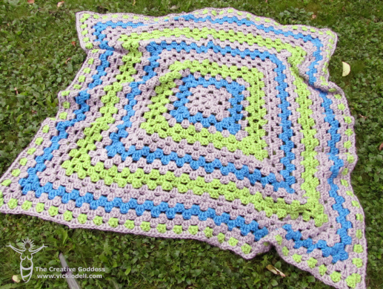 "The ""Chunky Granny"" - Granny Square Afghan"
