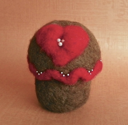 needlefelted cupcake lisa fulmer