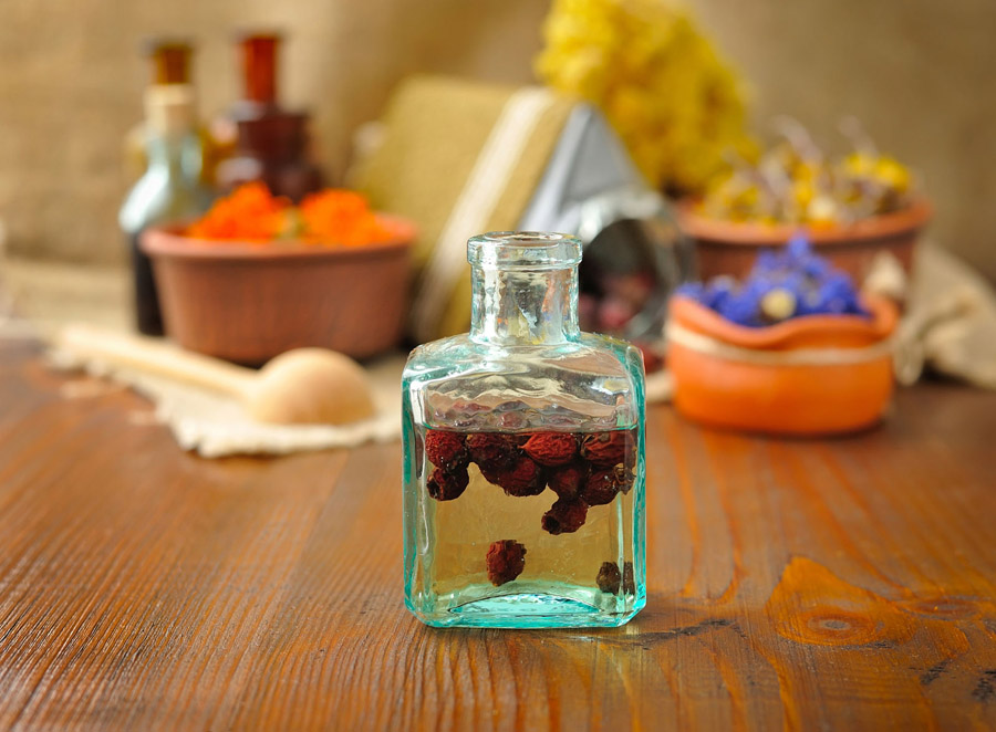 Creating an Herbal Apothecary - Rose Hip Tincture